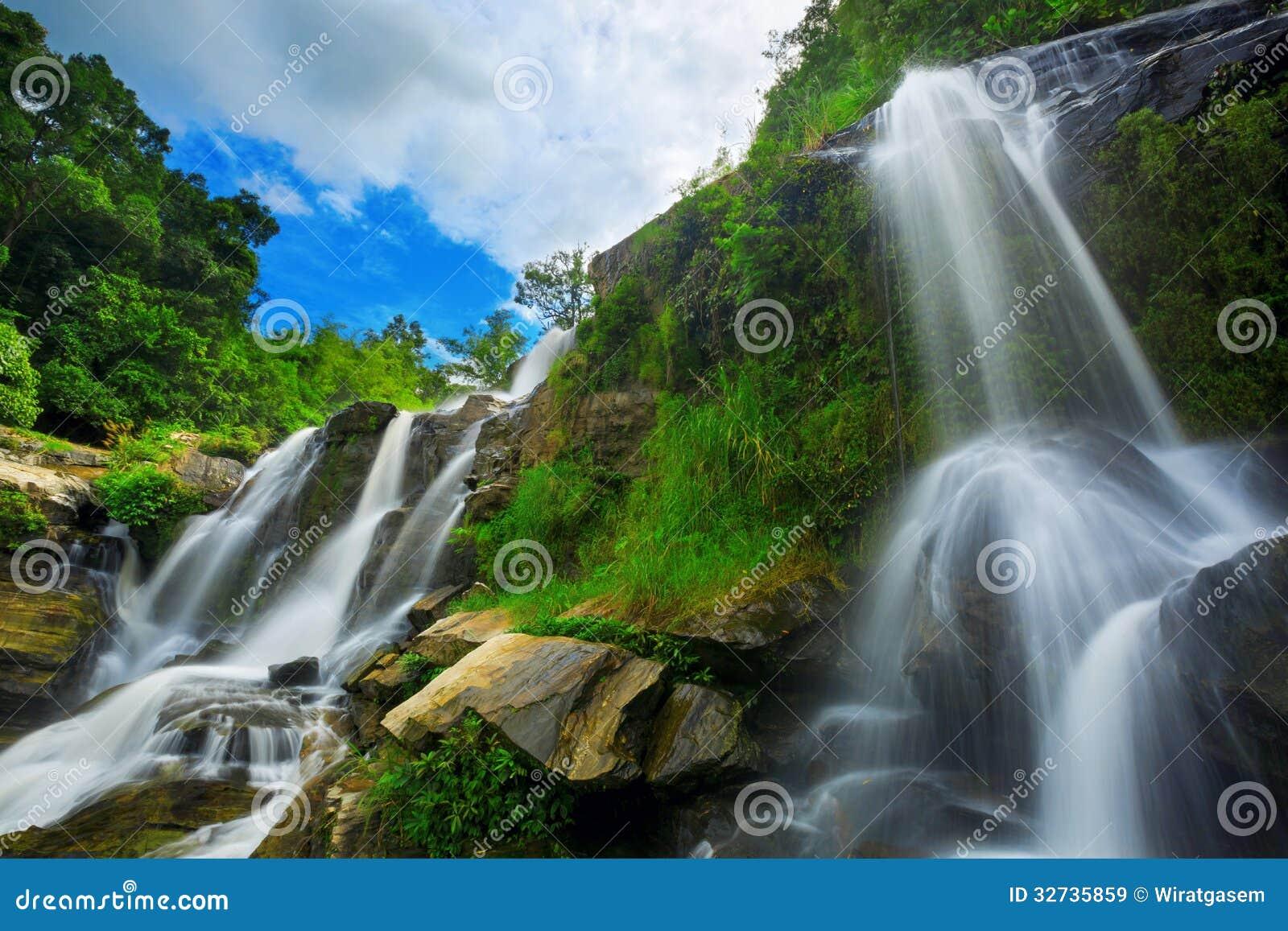 去泰国免筺(Y_瀑布在泰国国家公园. 免版税库存图片 - 图片