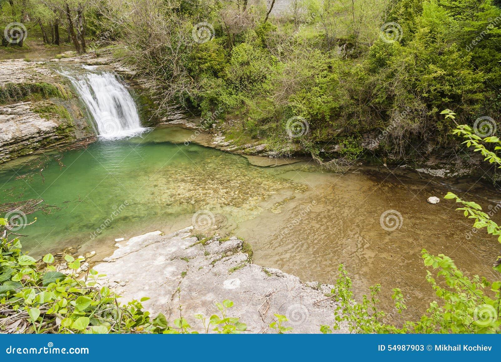 瀑布在阿布哈兹