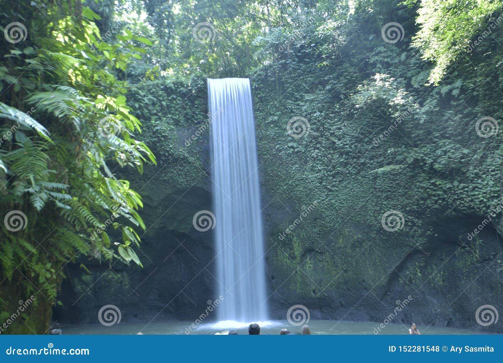 瀑布Tibumana