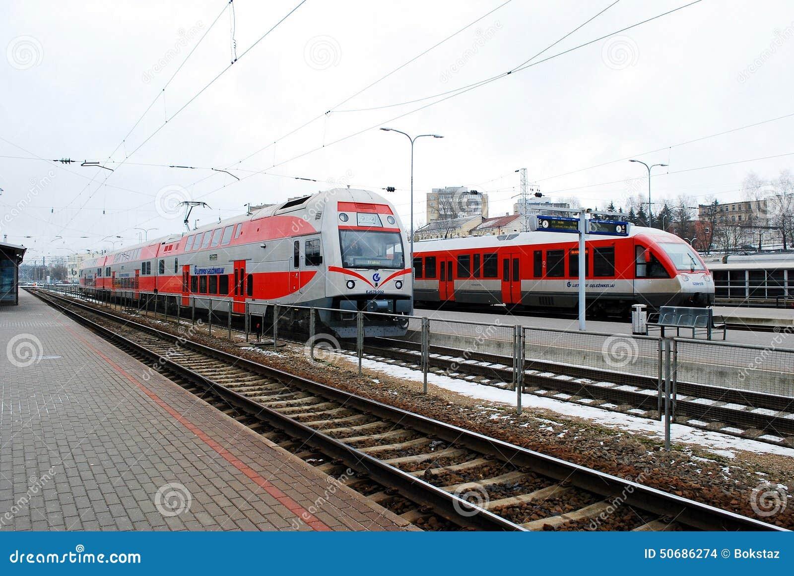 Download 火车站在立陶宛维尔纽斯市的首都 编辑类库存图片. 图片 包括有 蠢材, 人们, 城市, 场面, 铁路, 中央 - 50686274