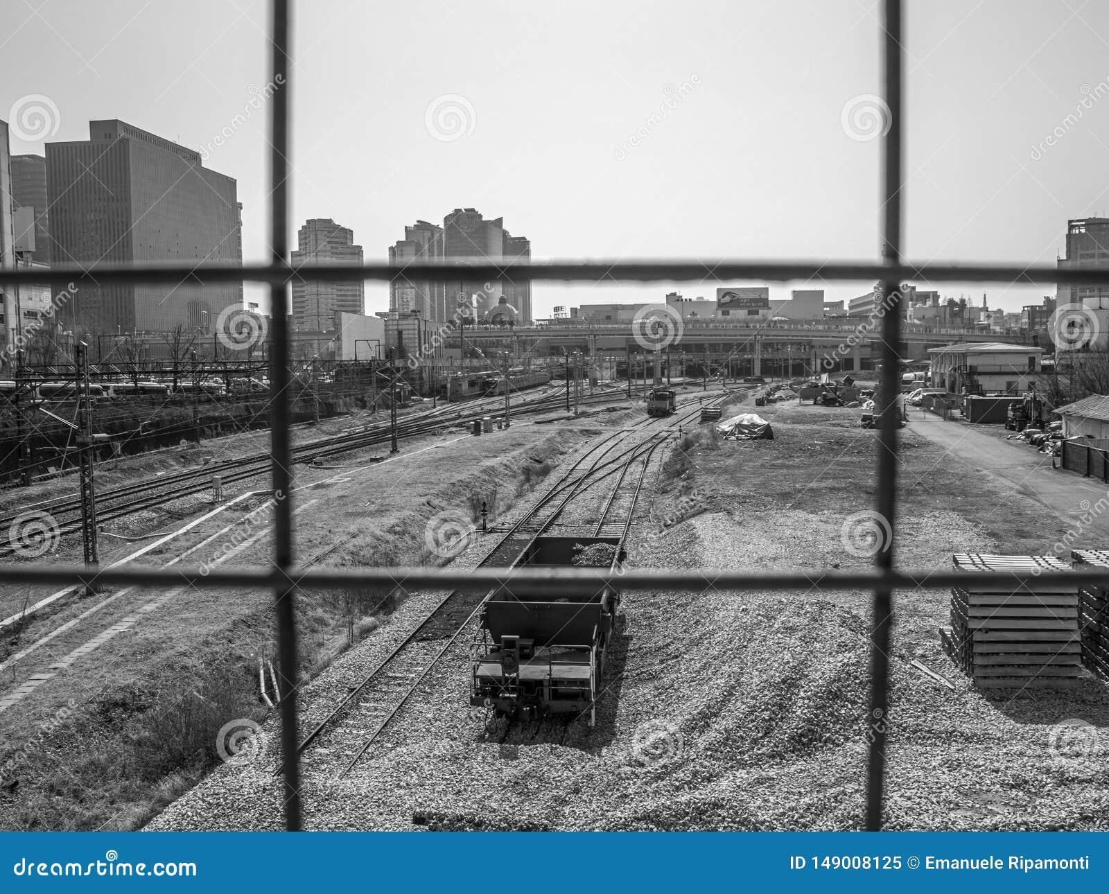 火车站黑白的汉城