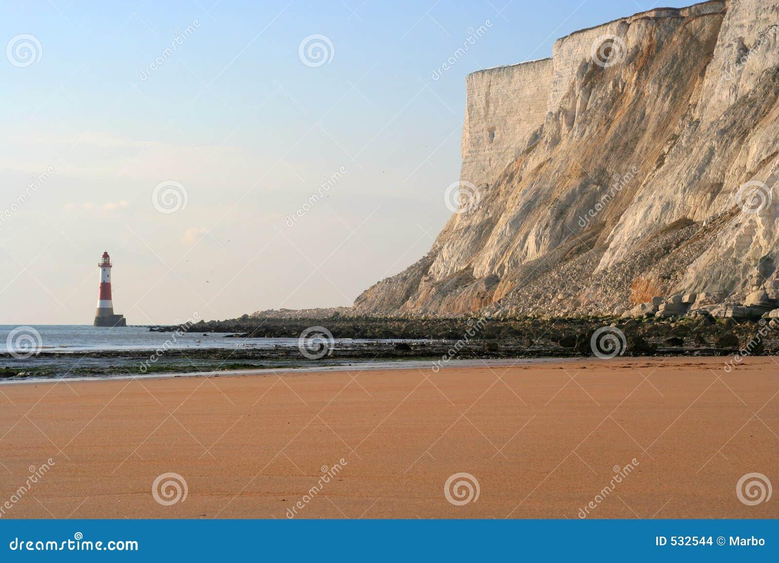 Download 灯塔 库存照片. 图片 包括有 警告, 含沙, 海岸线, 海运, 沙子, 英国, 峭壁, 海岸, 空白, 岩石 - 532544