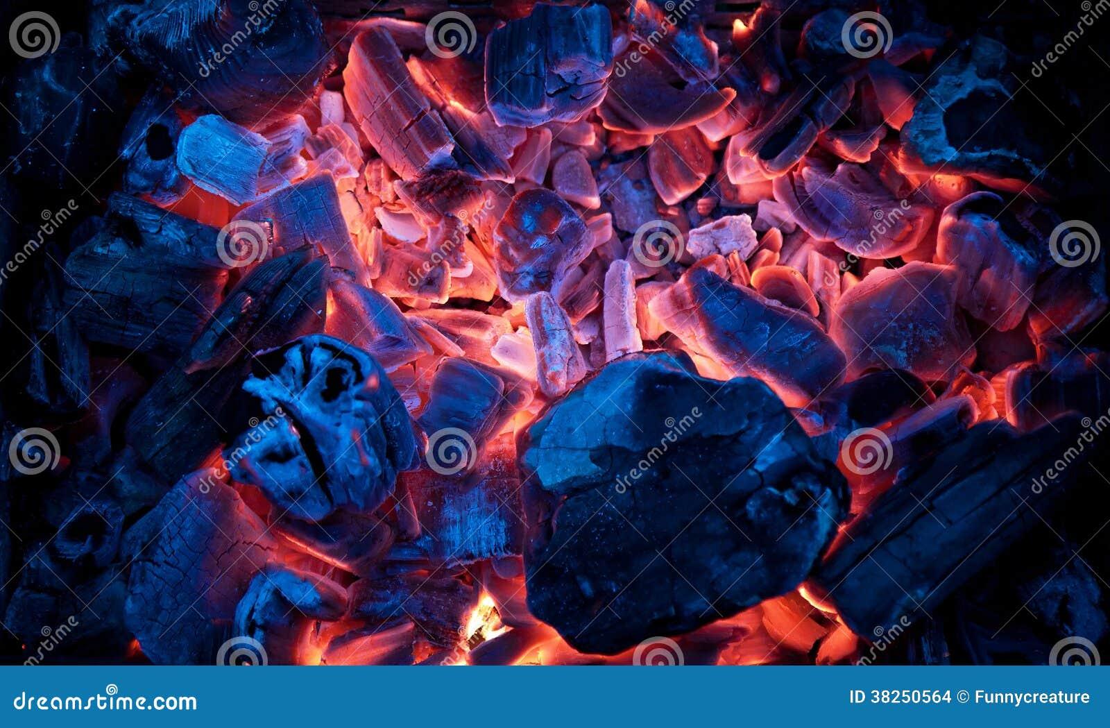 灼烧的营火炭烬(热的煤炭)