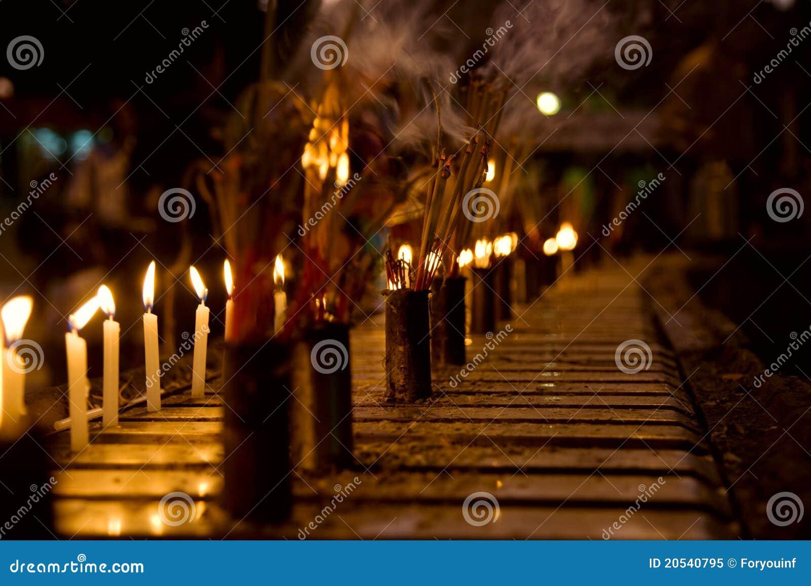 灼烧的蜡烛香火棍子