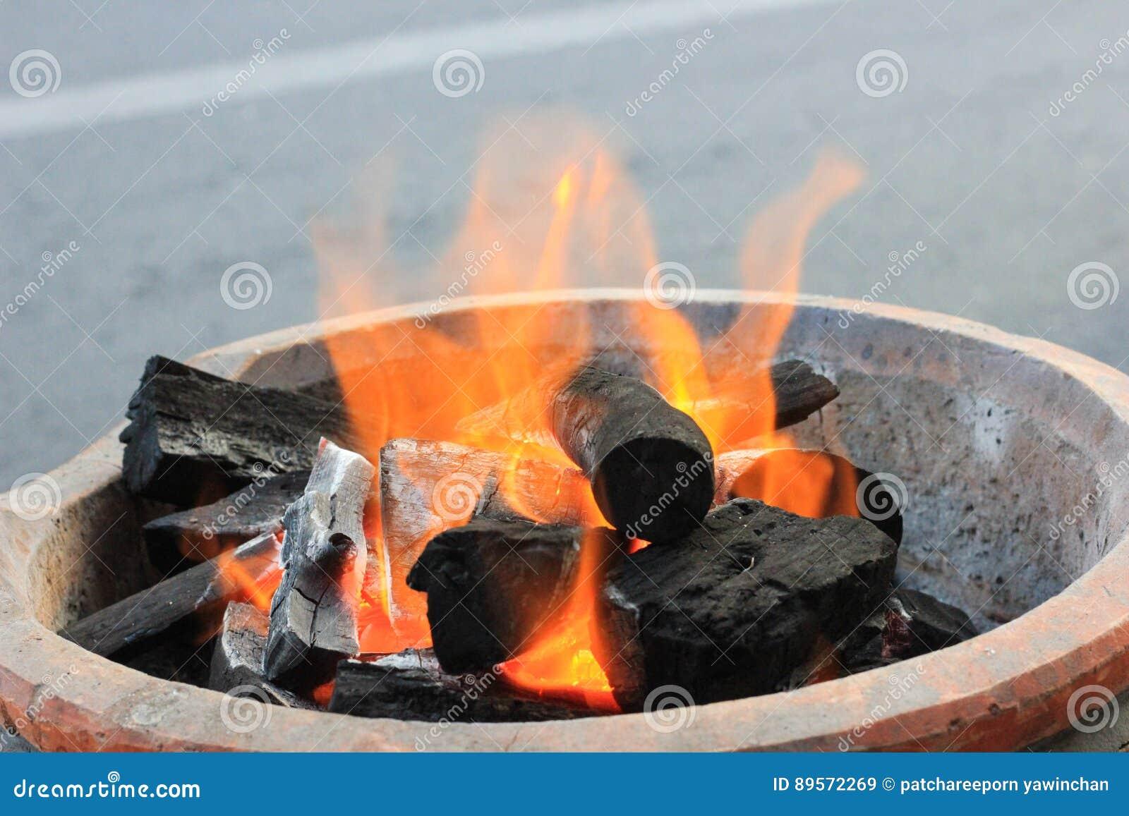 炭渣和火焰