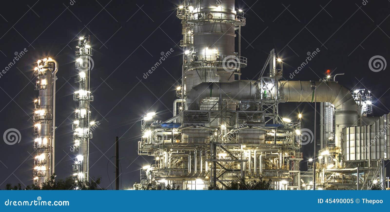 炼油厂微明