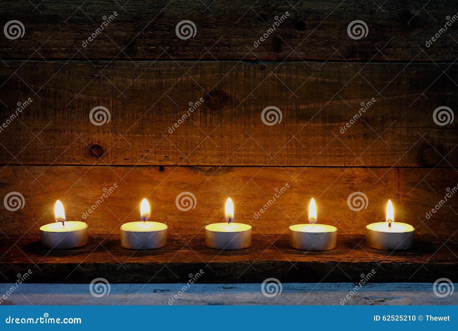 烛光焰装饰在圣诞节节日