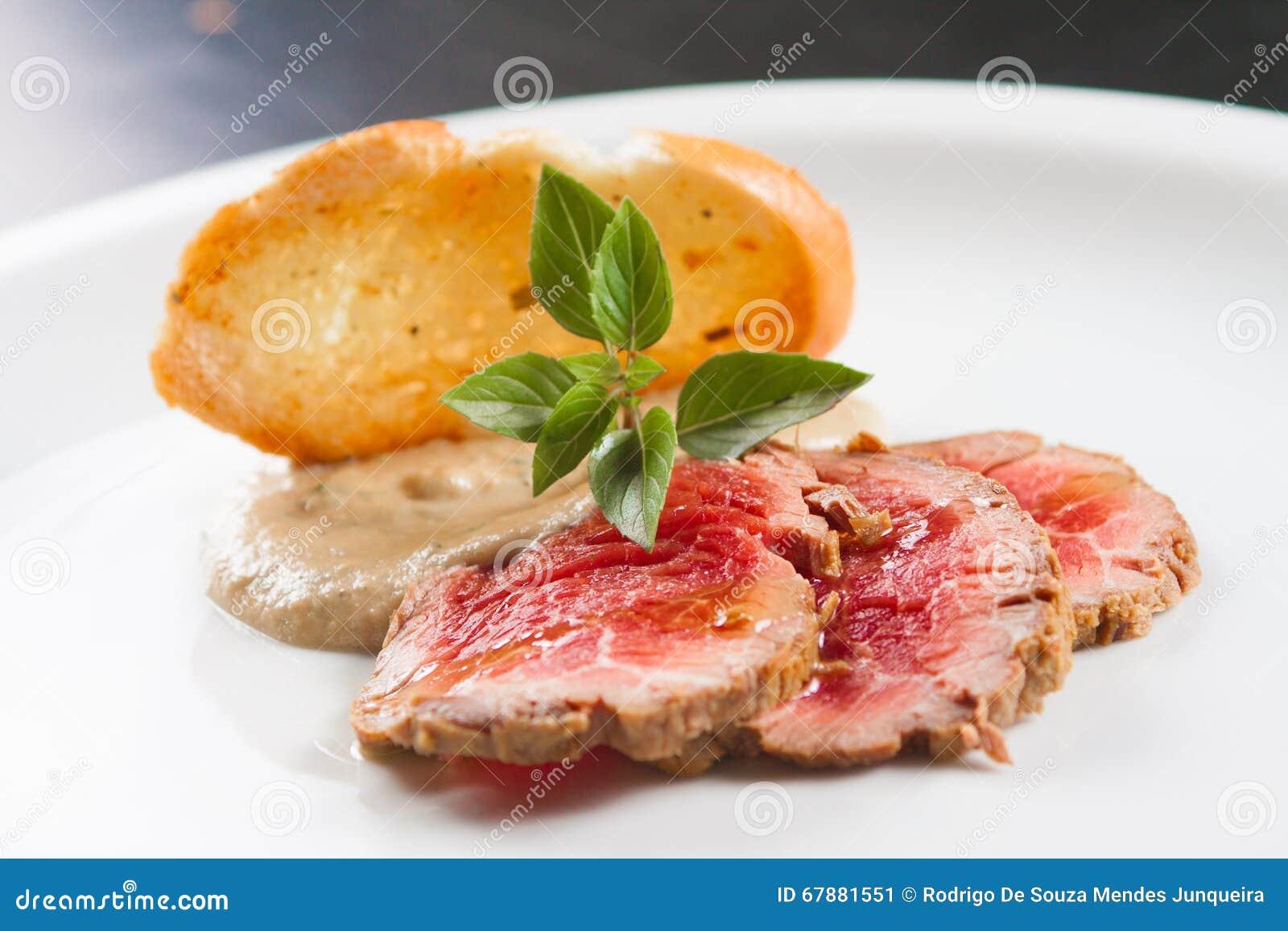 烤牛肉开胃菜