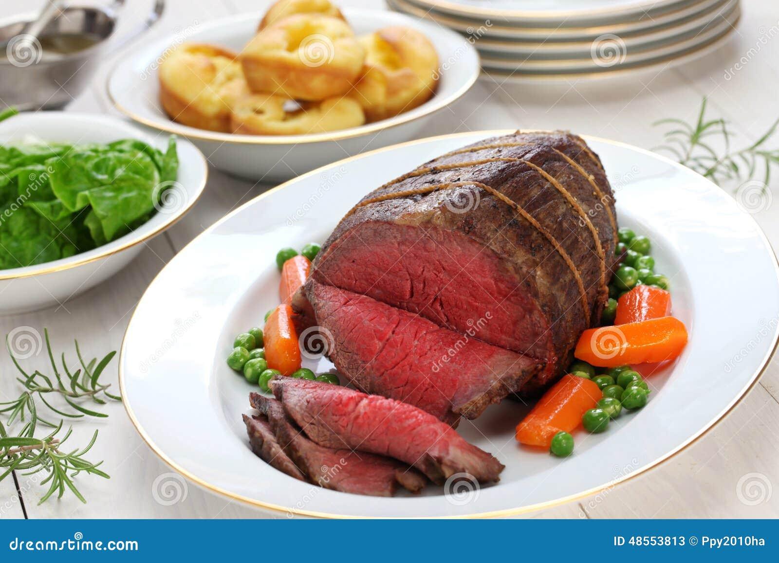 烤牛肉用约克夏布丁
