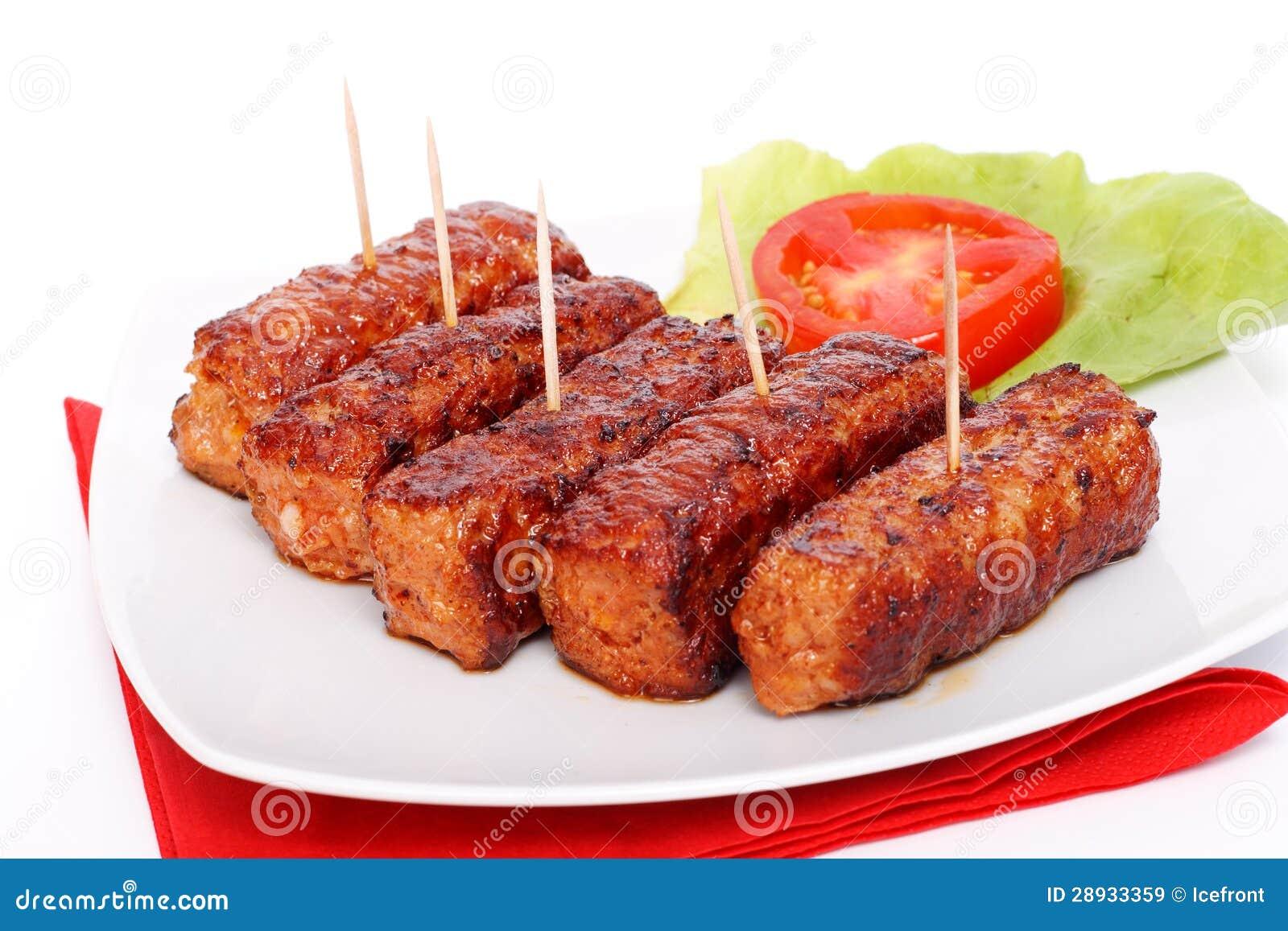烤罗马尼亚肉卷- mititei, mici