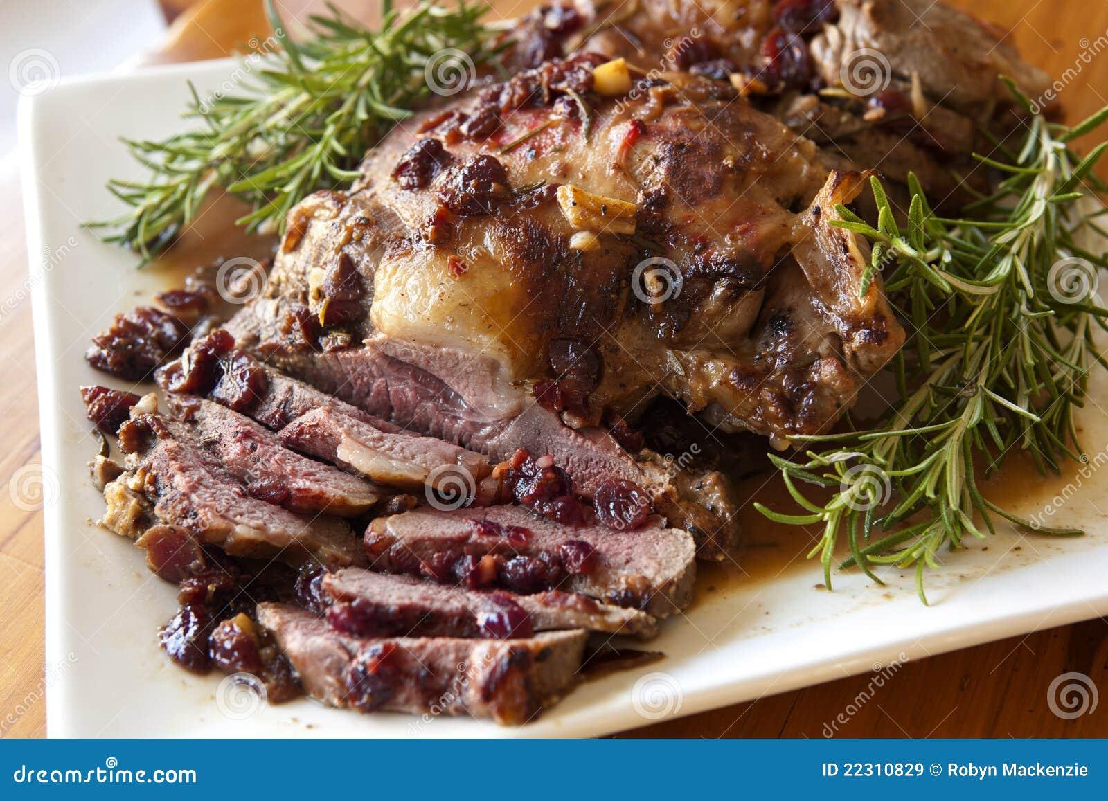 烤羊肉迷迭香美女美甲长裙图片
