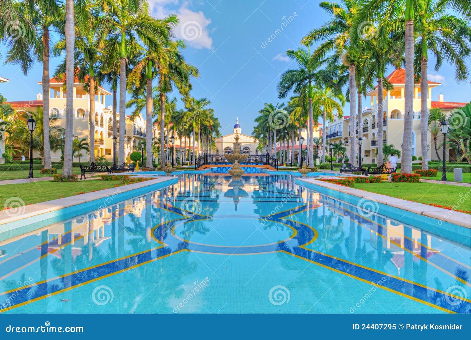 热带的豪华旅游胜地