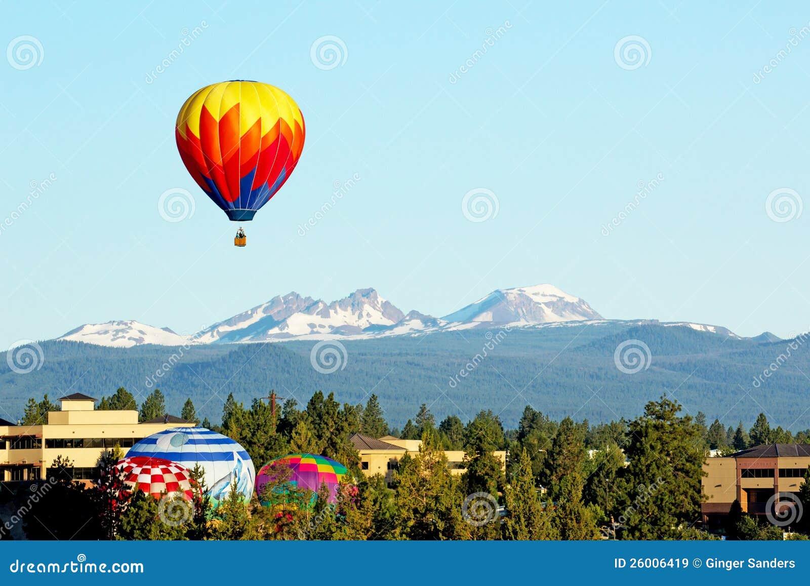 热空气气球生成在俄勒冈