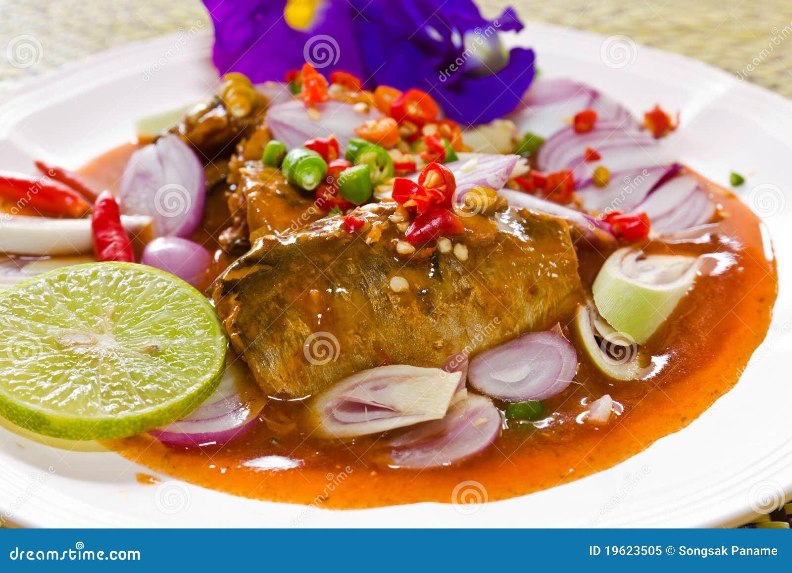烹调鱼泰国鲭鱼的调味汁