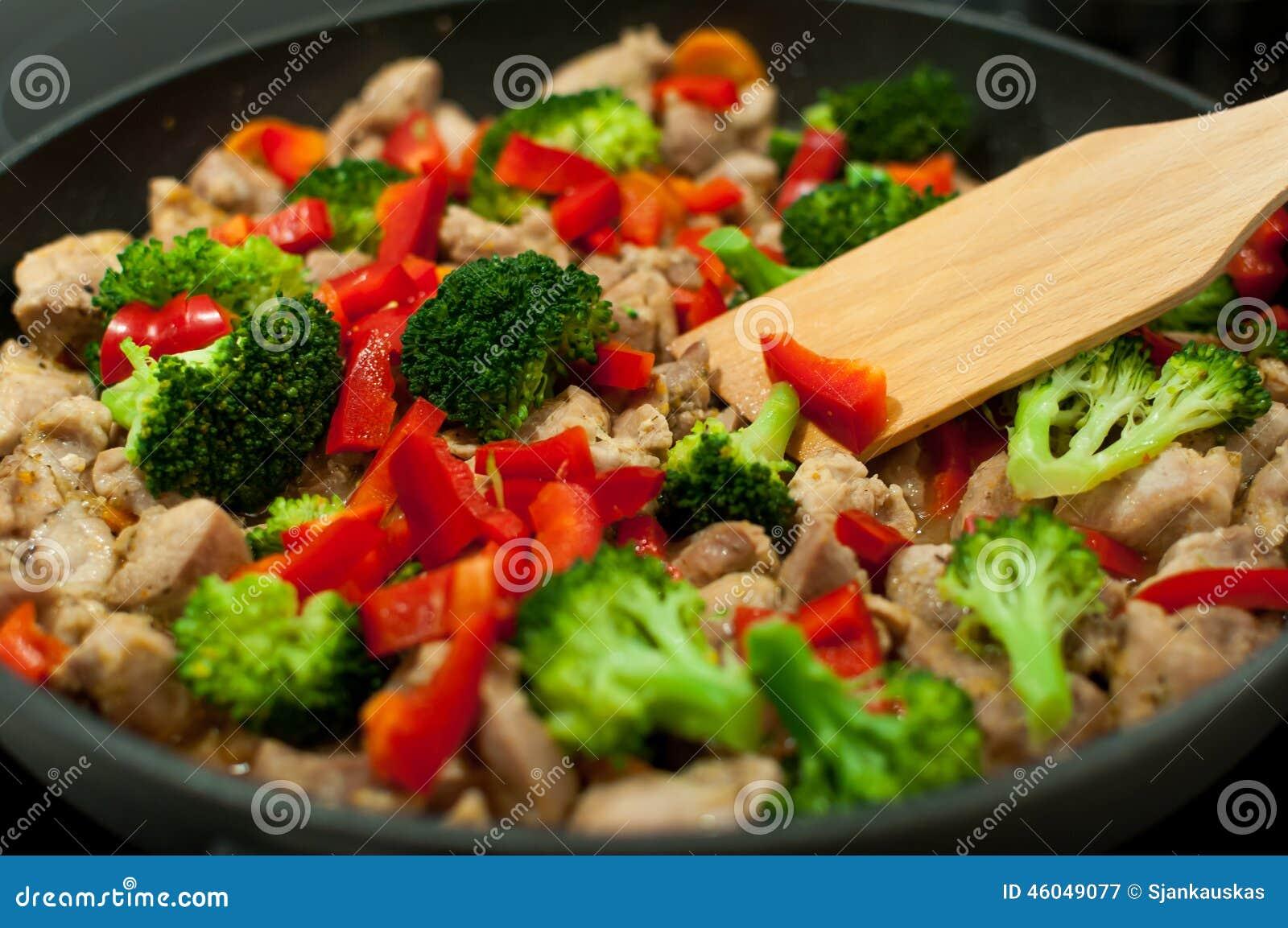 烹调炖煮的食物