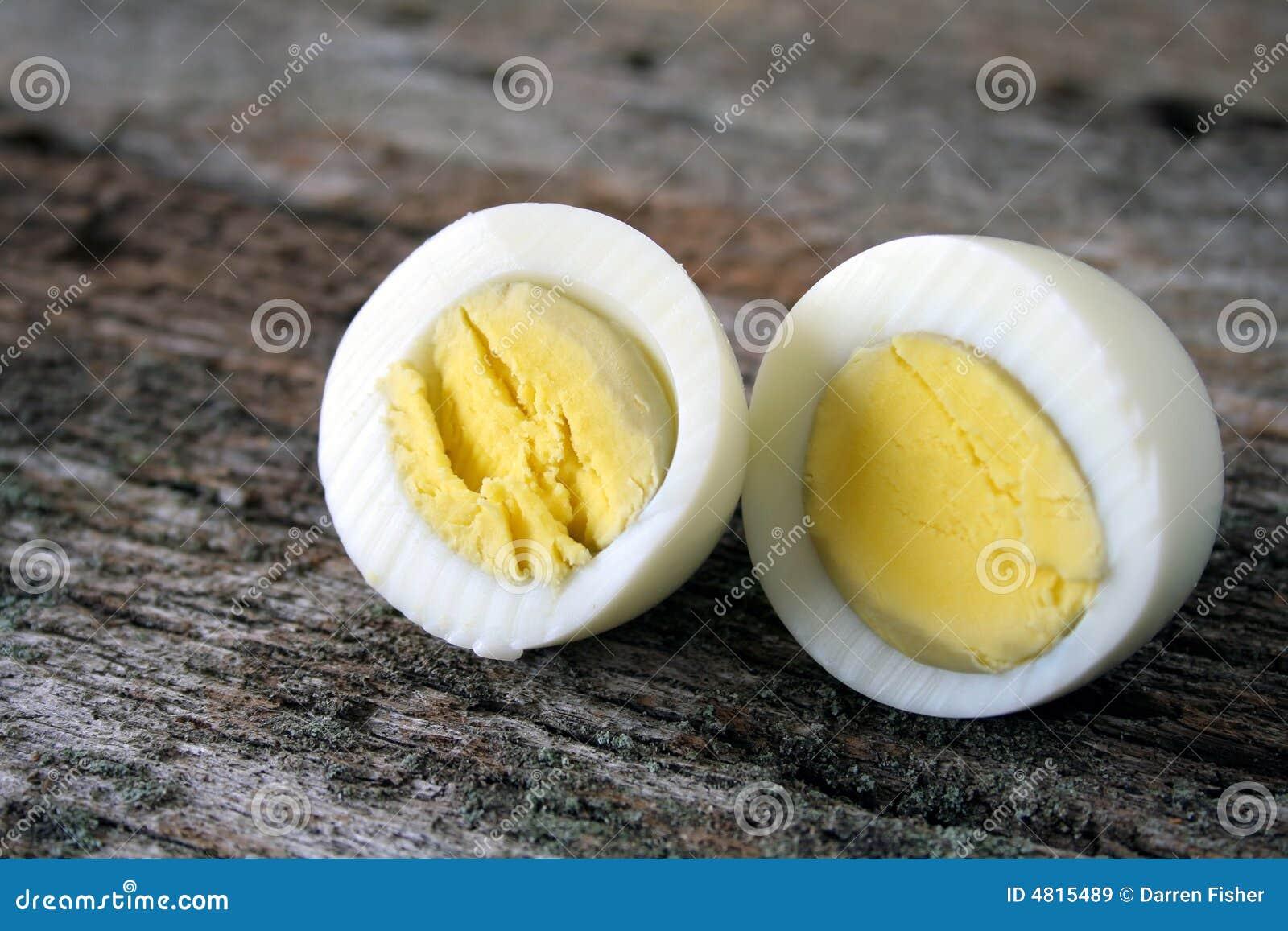 煮沸的蛋坚硬