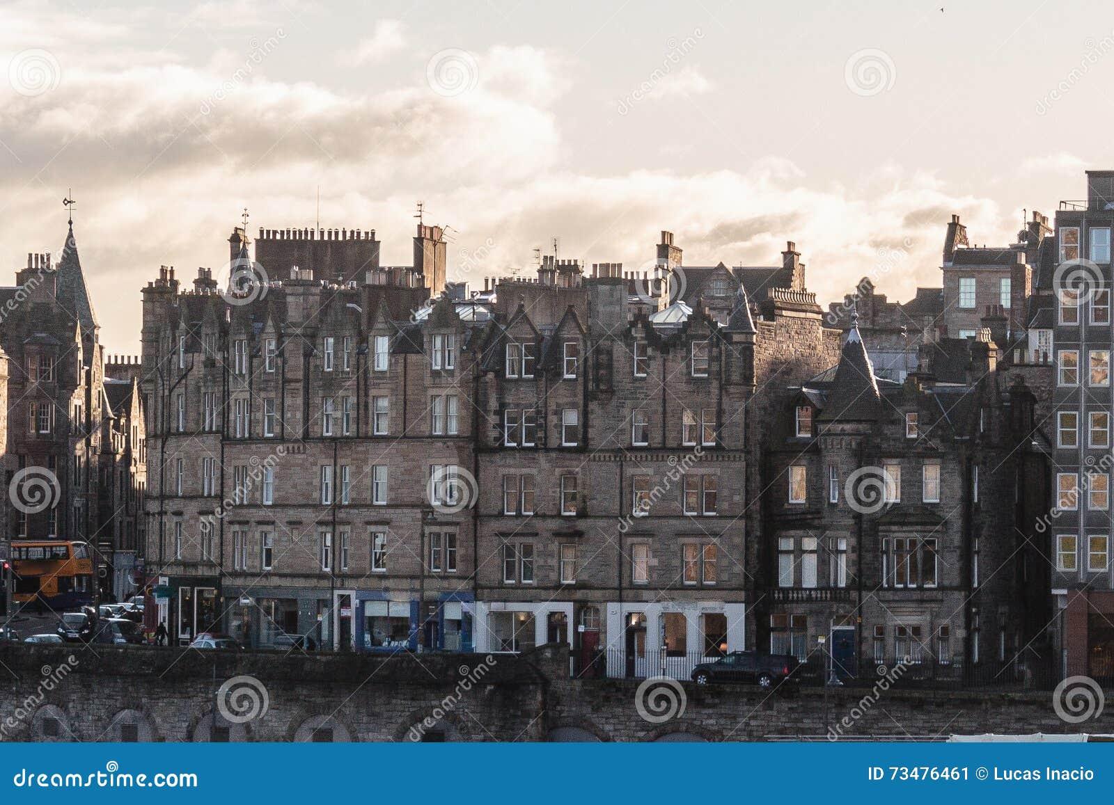 爱丁堡,苏格兰大厦和房子