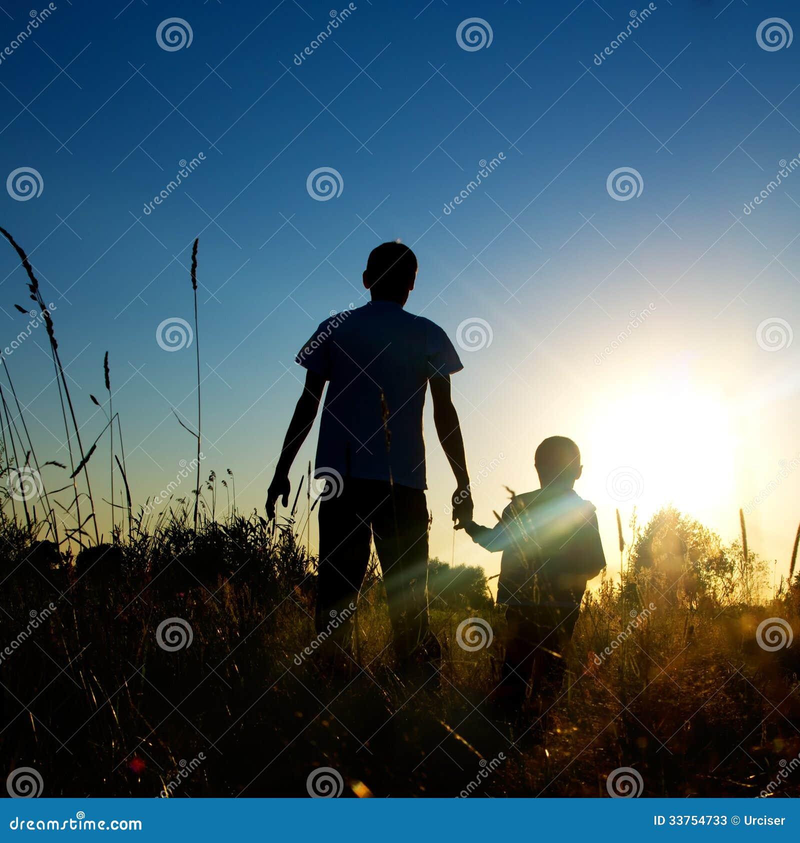 父亲和儿子图片