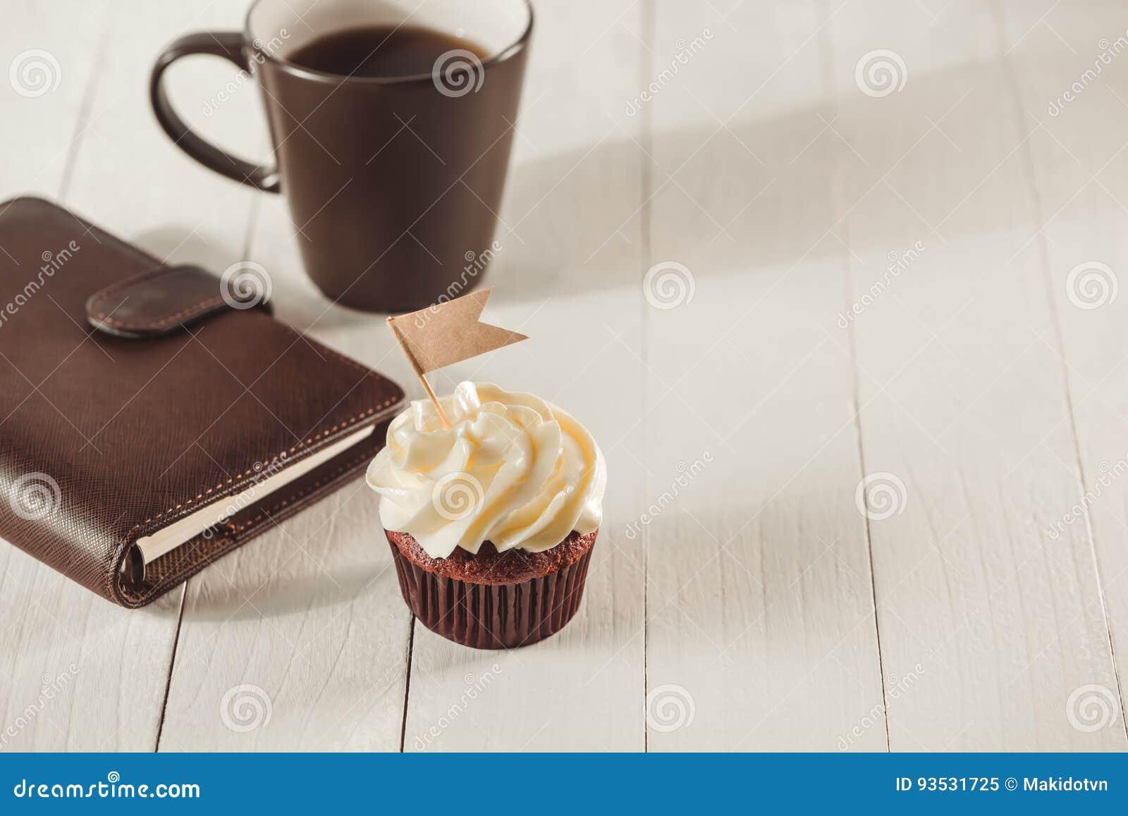 父亲节概念 可口创造性的杯形蛋糕和杯子coffe