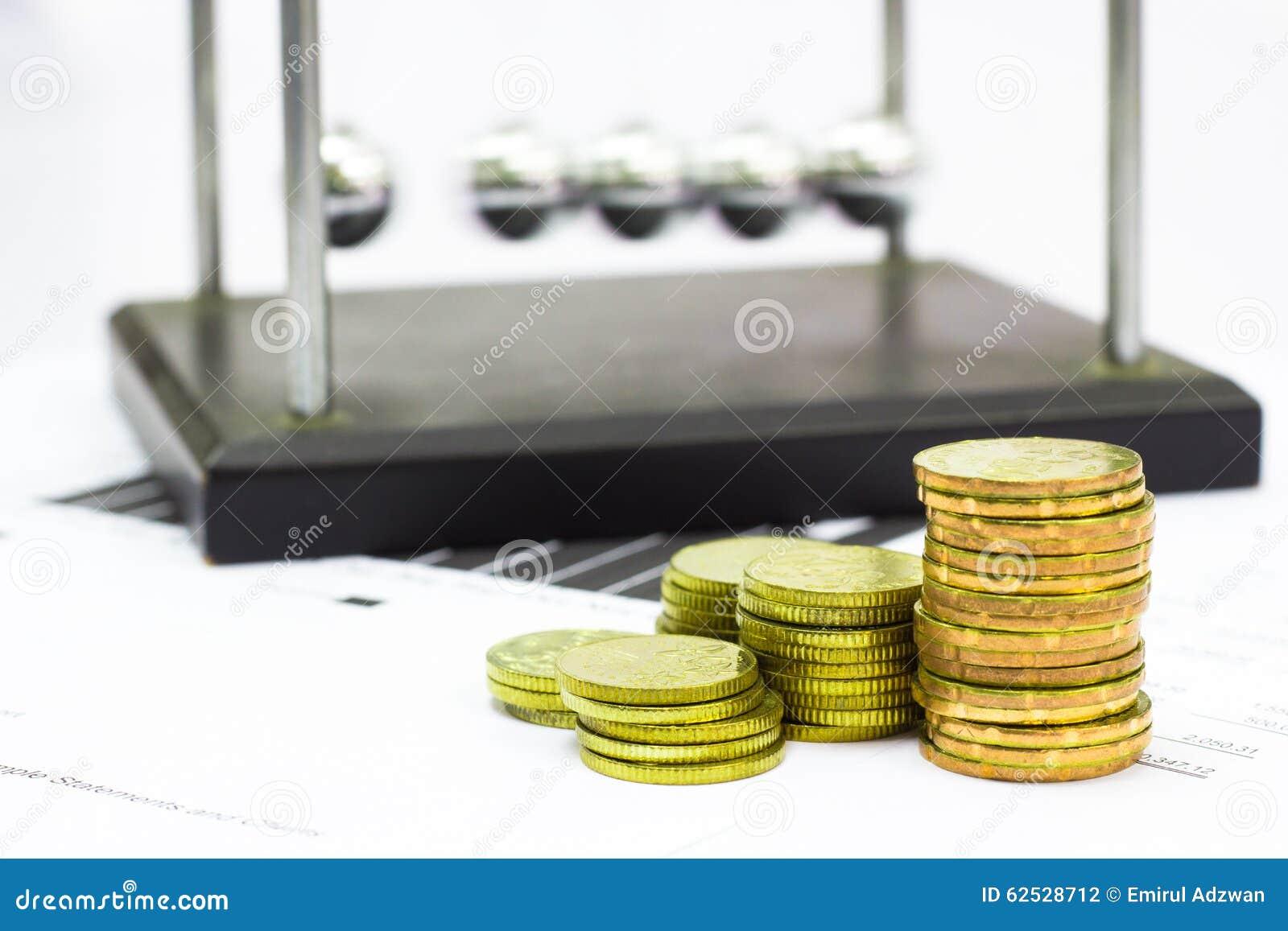 牛顿摇篮钢平衡球和财政决算与硬币