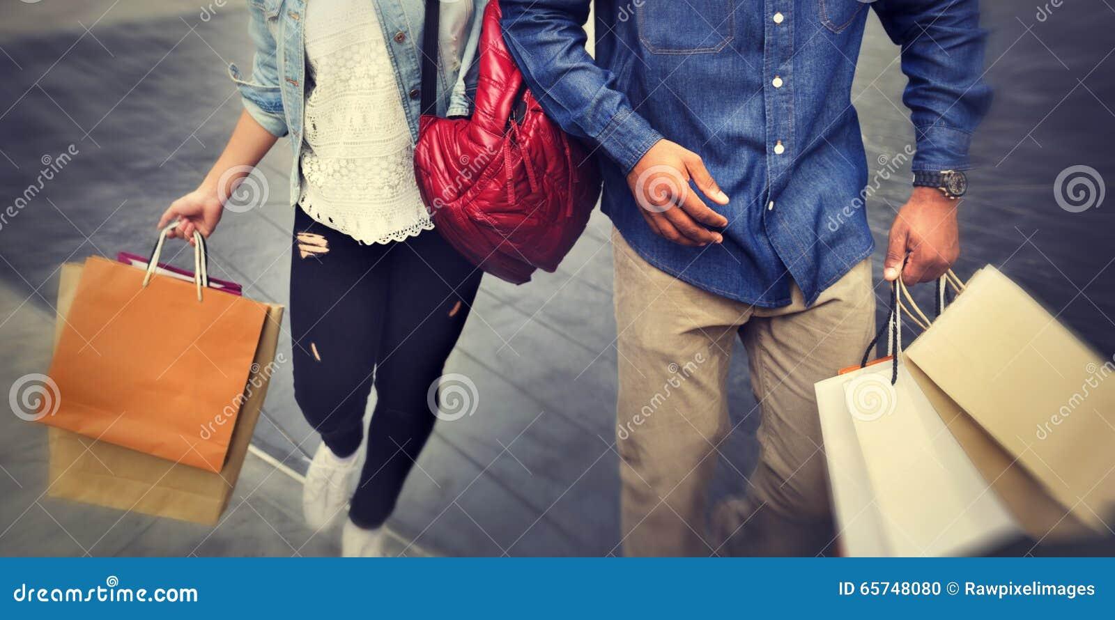 购物享受拉丁文的消费概念的夫妇资本主义