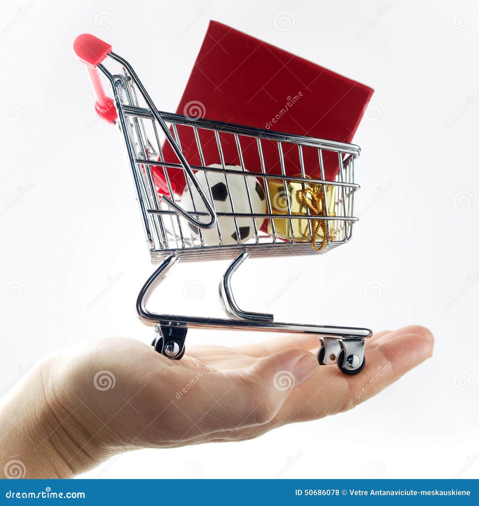 Download 购物袋在手边 库存照片. 图片 包括有 计算机, 市场, 程序包, 商务, 超级市场, 购物车, 背包, 采购 - 50686078