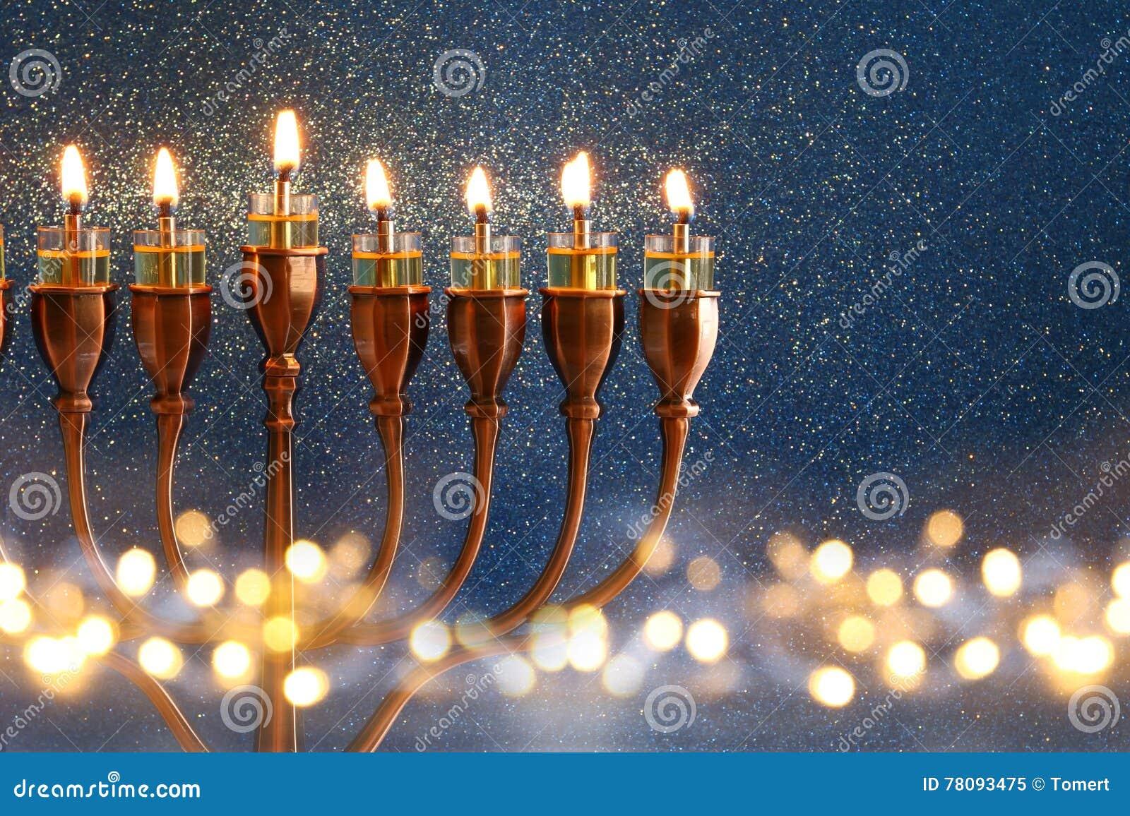 犹太假日光明节背景的低调图象