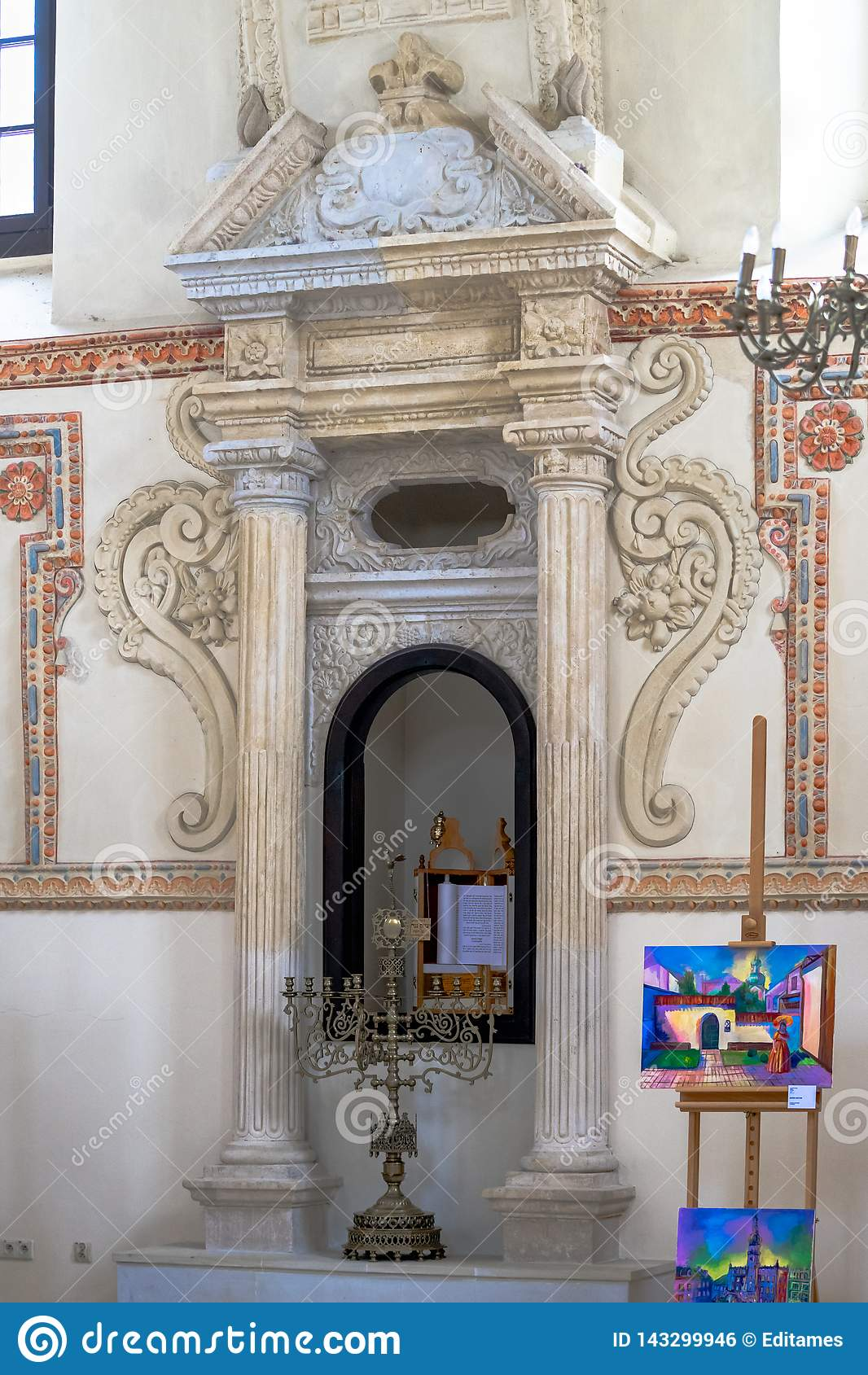 犹太犹太教堂内部在扎莫希奇,波兰