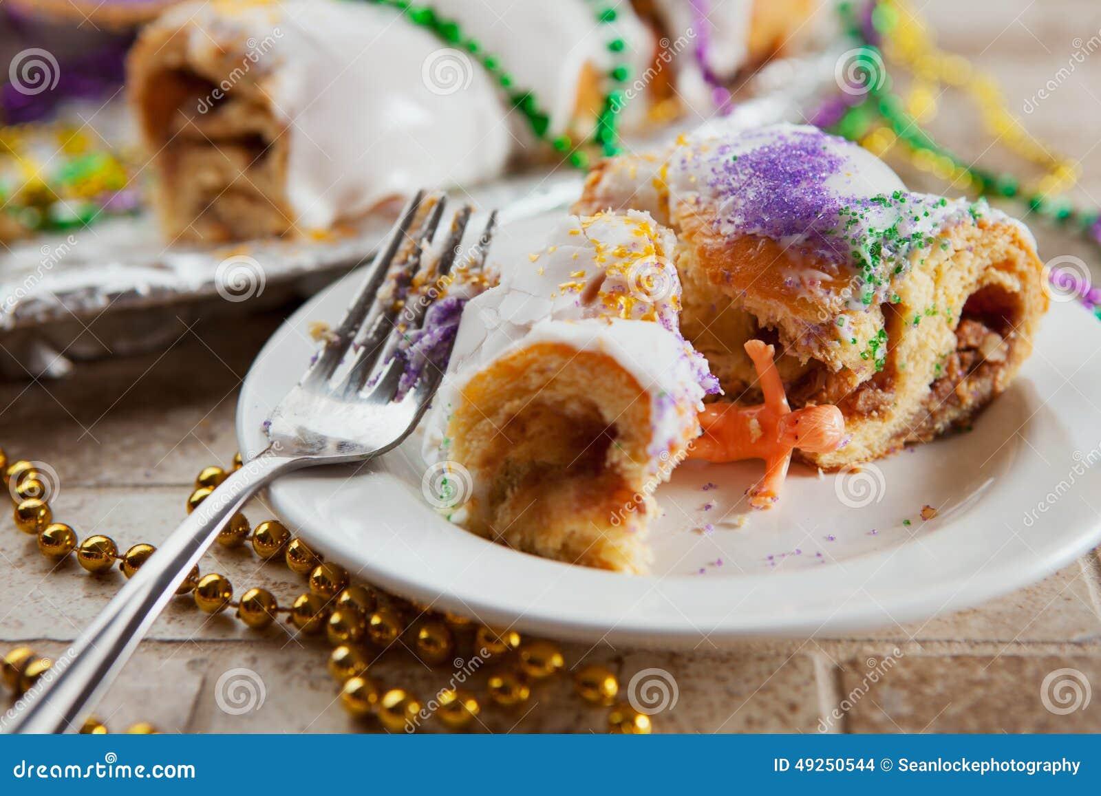 狂欢节:小在Cake国王片断找到的耶稣玩偶