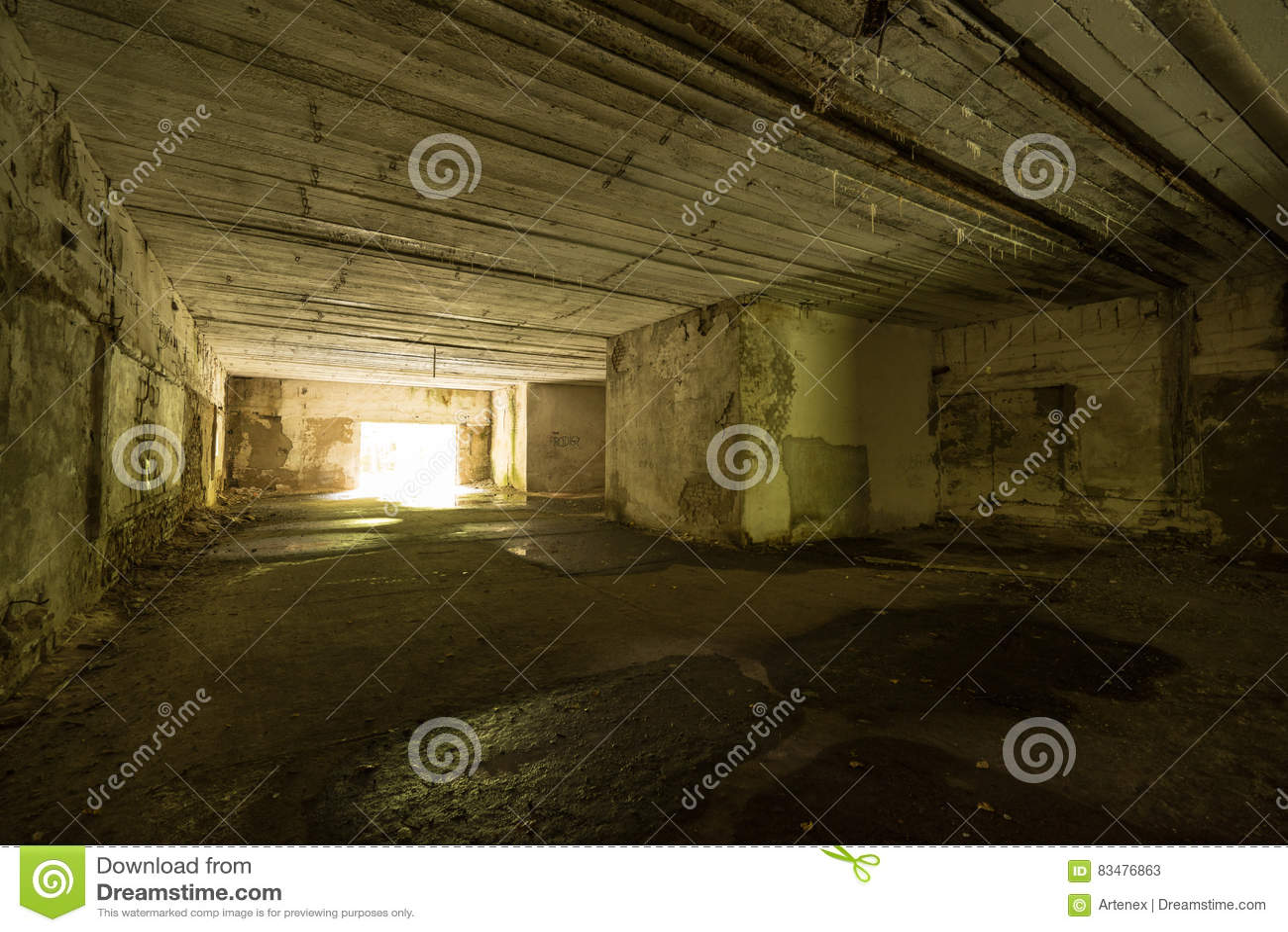 狼` s穴,阿道夫・希特勒` s地堡,波兰 第一个东部前面军总部,二战 炸毁的复合体,放弃