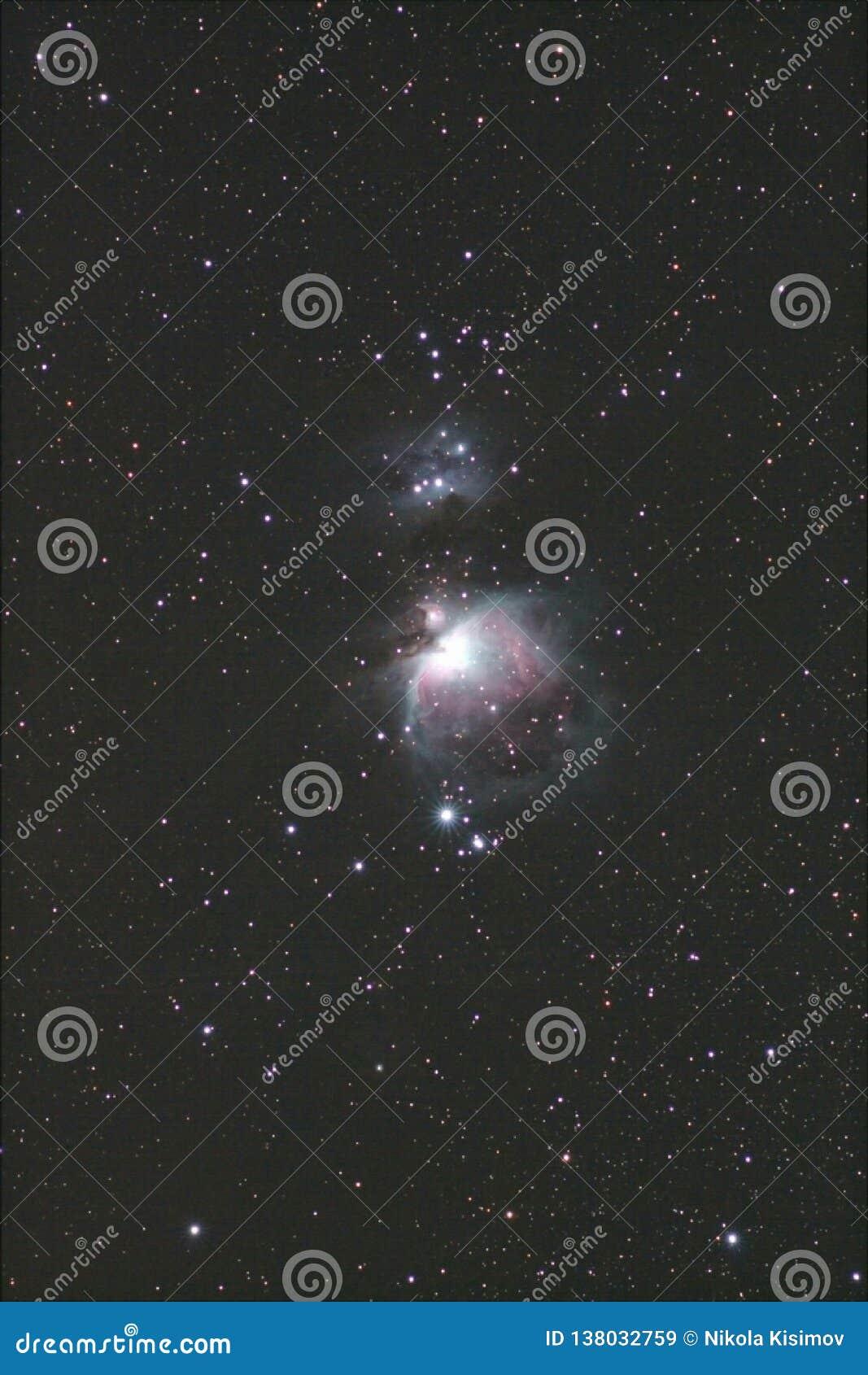猎户星座星云宽视图