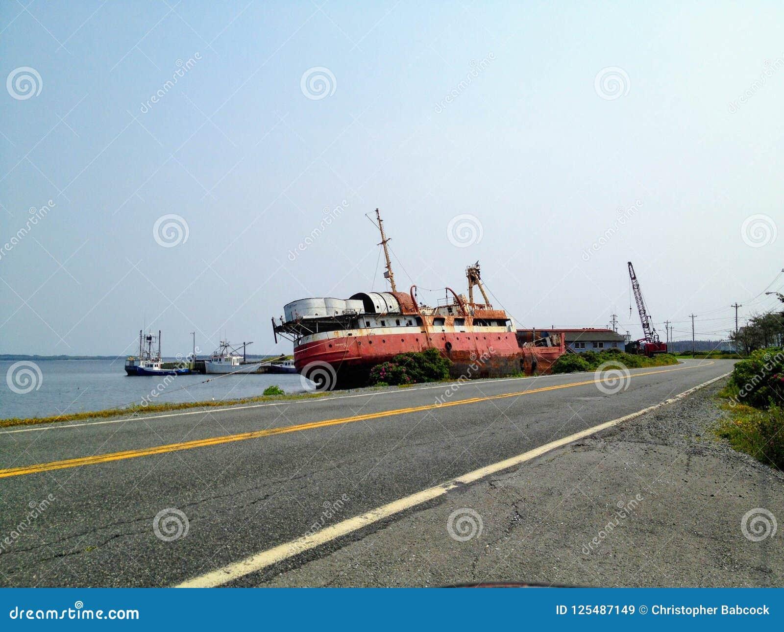 玛里约瑟夫,新斯科舍- 2014年7月26日, :一艘被放弃的船l