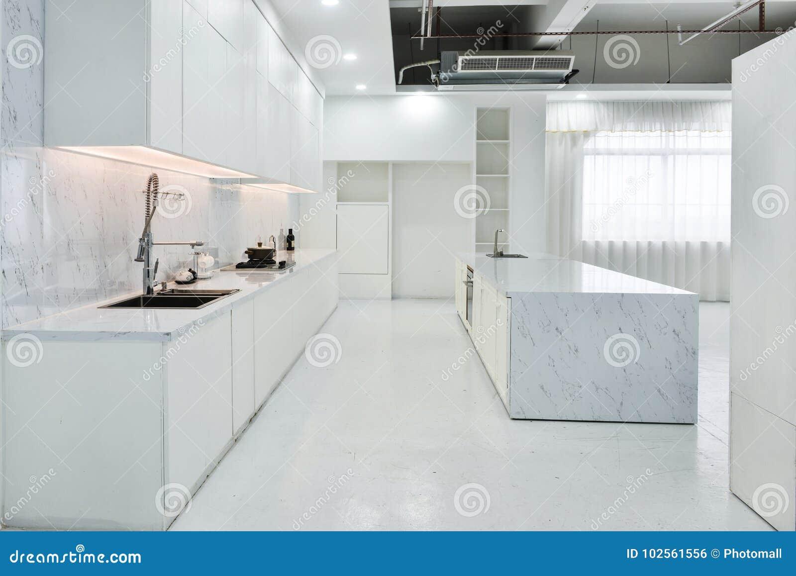 现代开放厨房