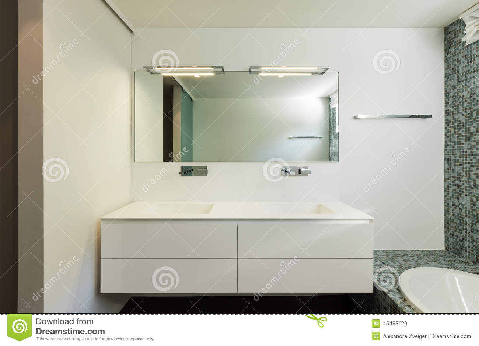 现代房子,卫生间内部