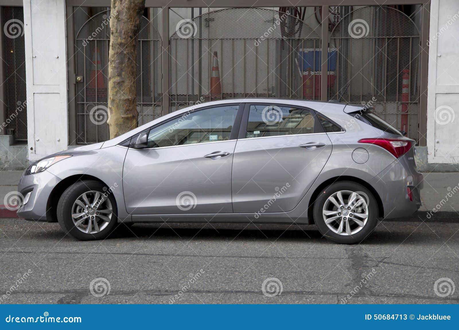 Download 现代斜背式的汽车新的汽车 编辑类库存照片. 图片 包括有 汽车, beautifuler, hyundai - 50684713