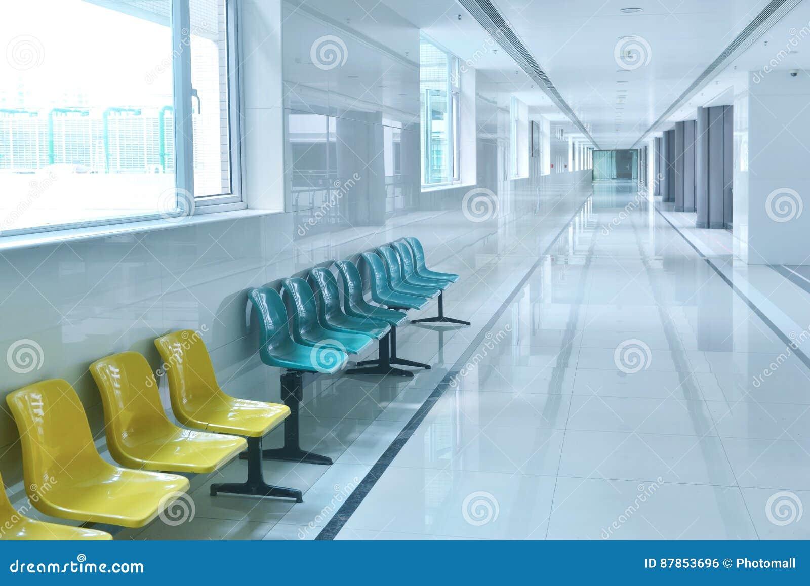 现代医院大厦走廊