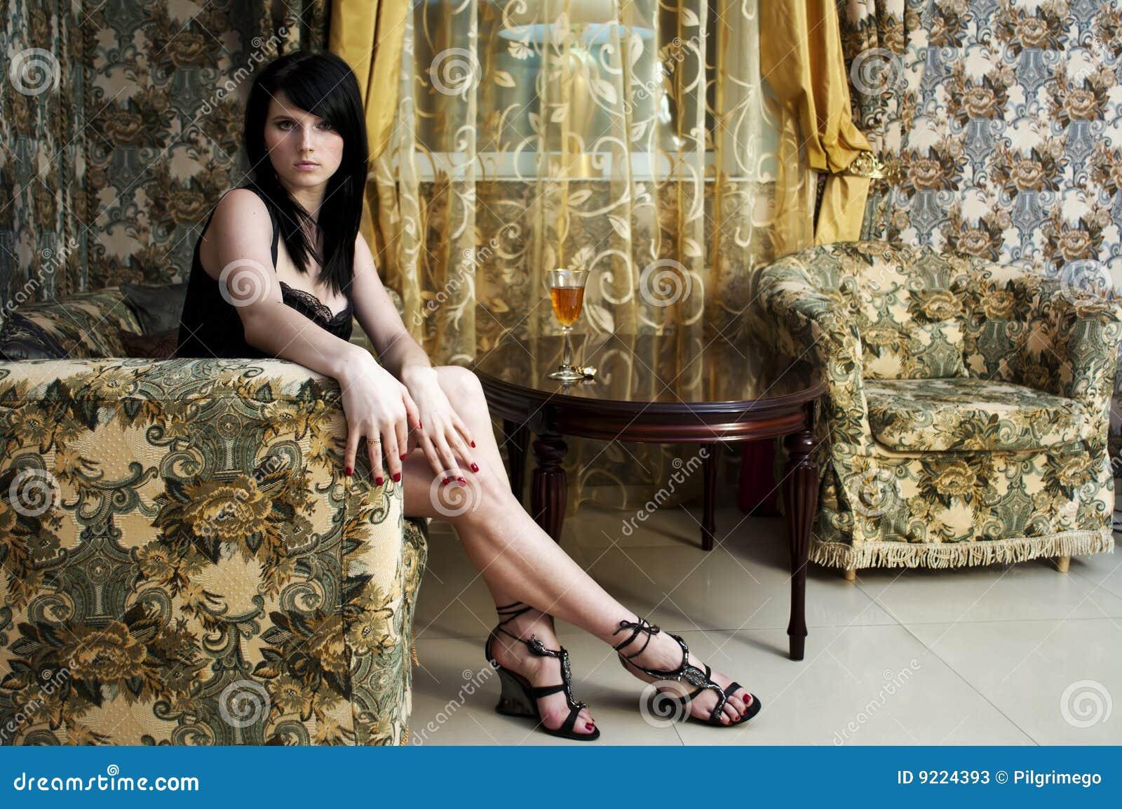 玻璃大厅酒妇女