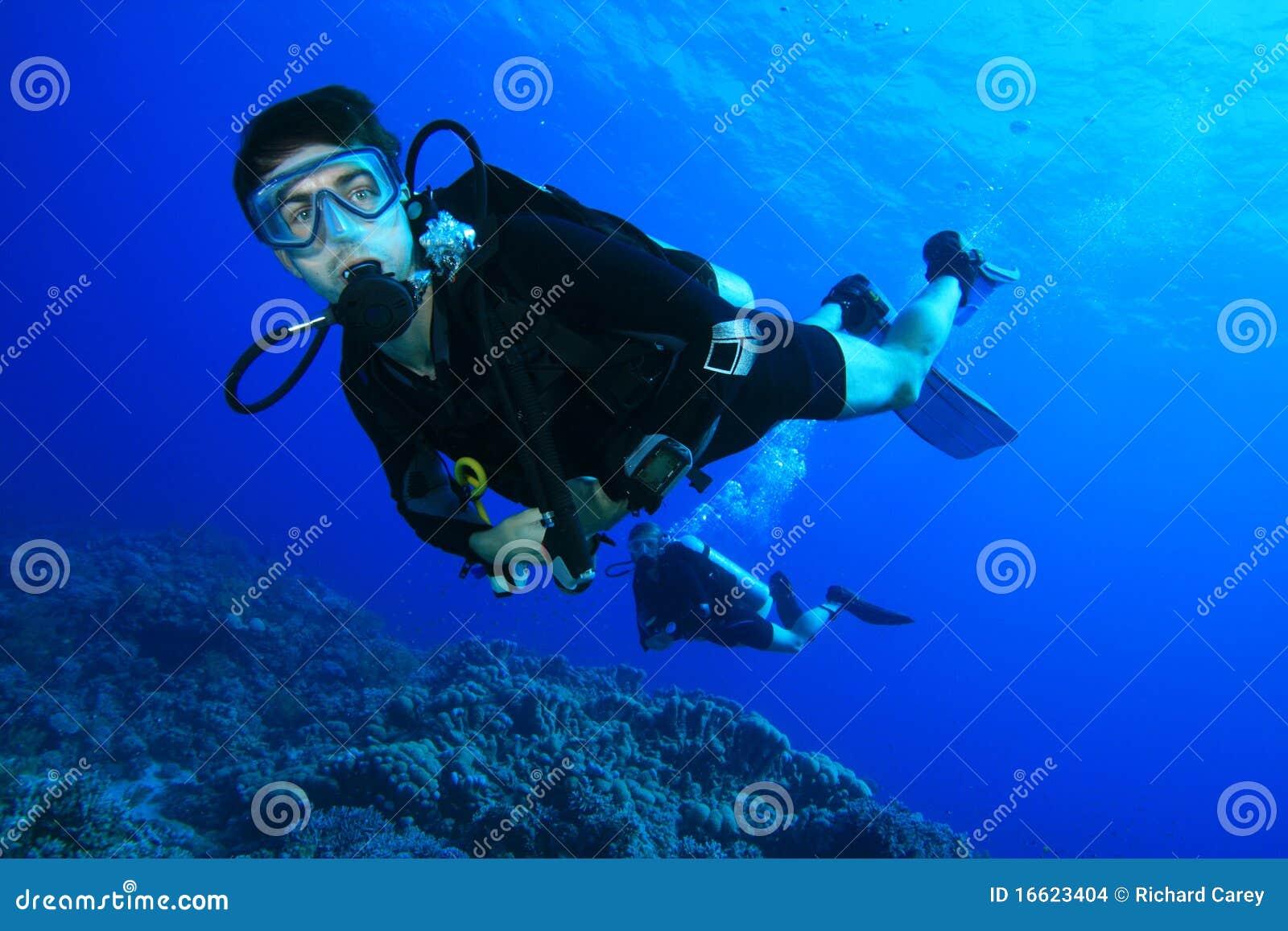 珊瑚潜水礁石水肺