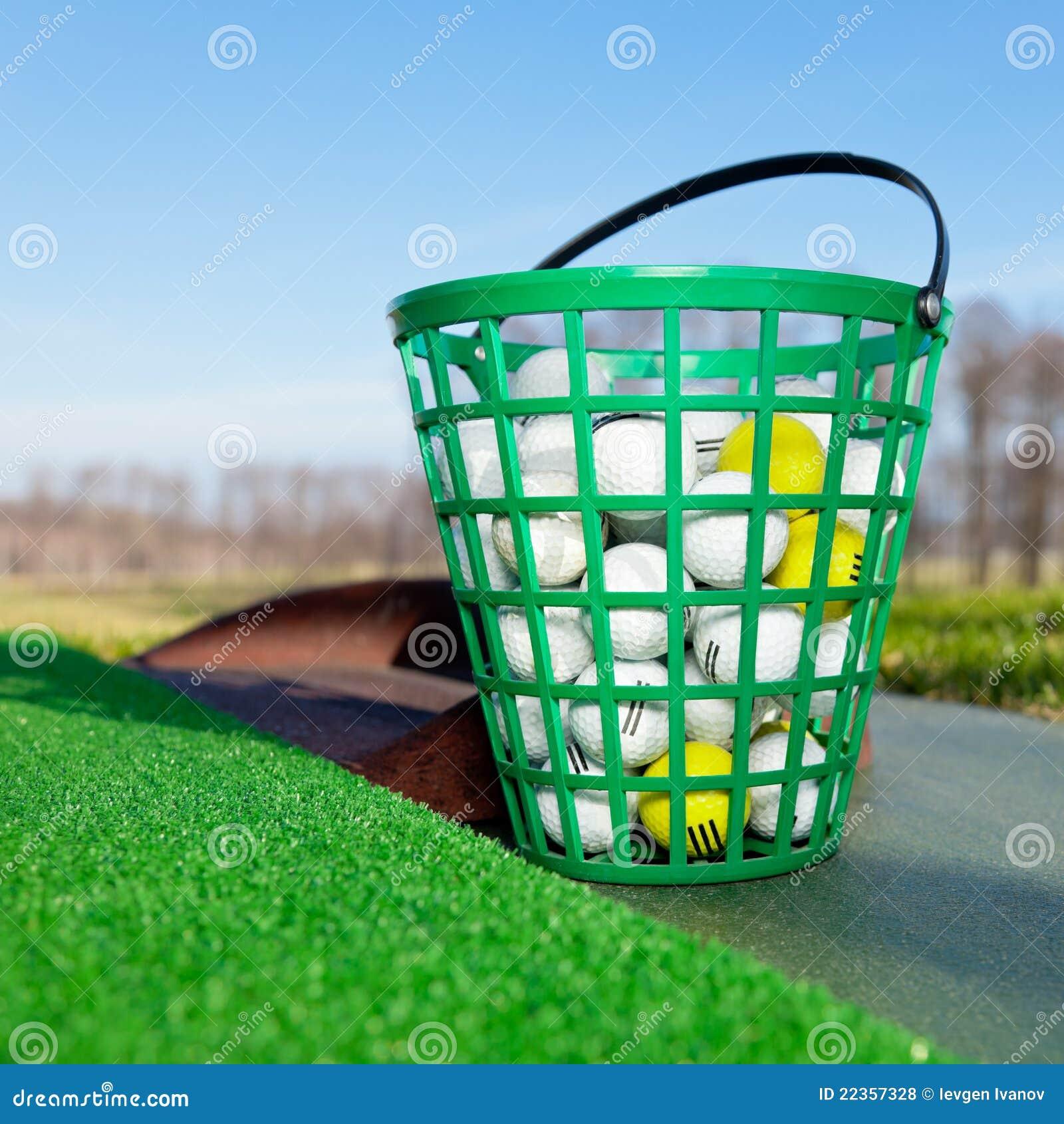 球时段充分的高尔夫球