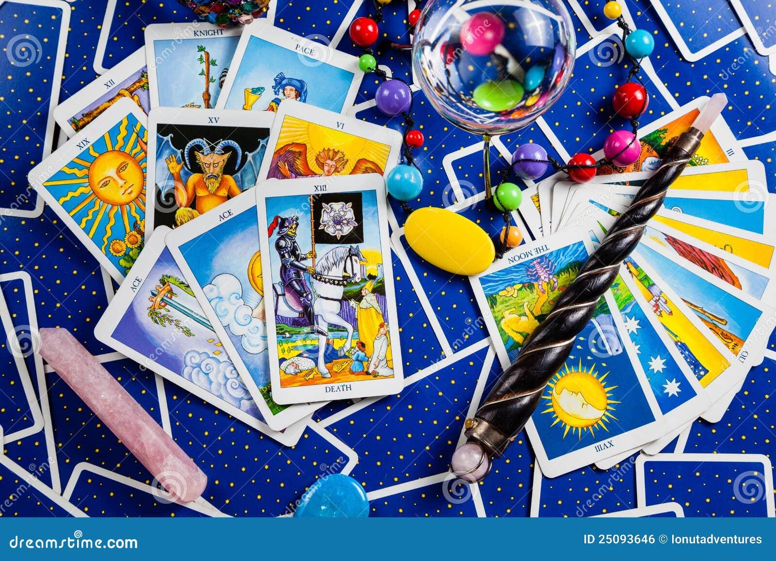 球蓝色看板卡魔术混杂的tarot鞭子