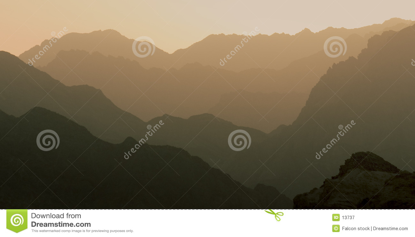 理想层状的山