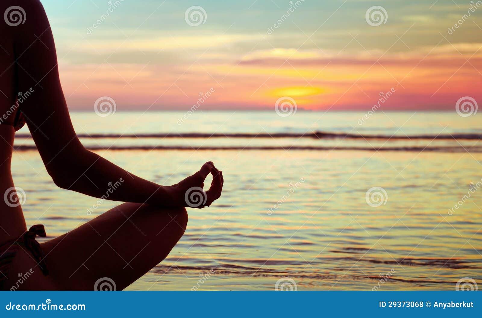 瑜伽摘要,蓮花圖片
