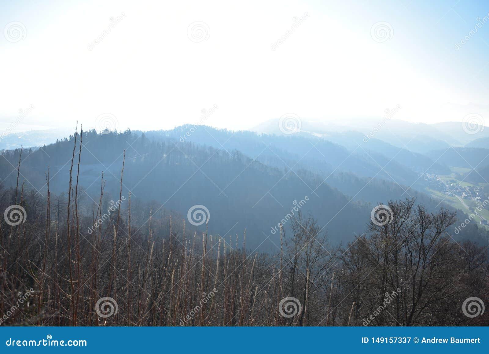 瑞士阿尔卑斯山脉的风景