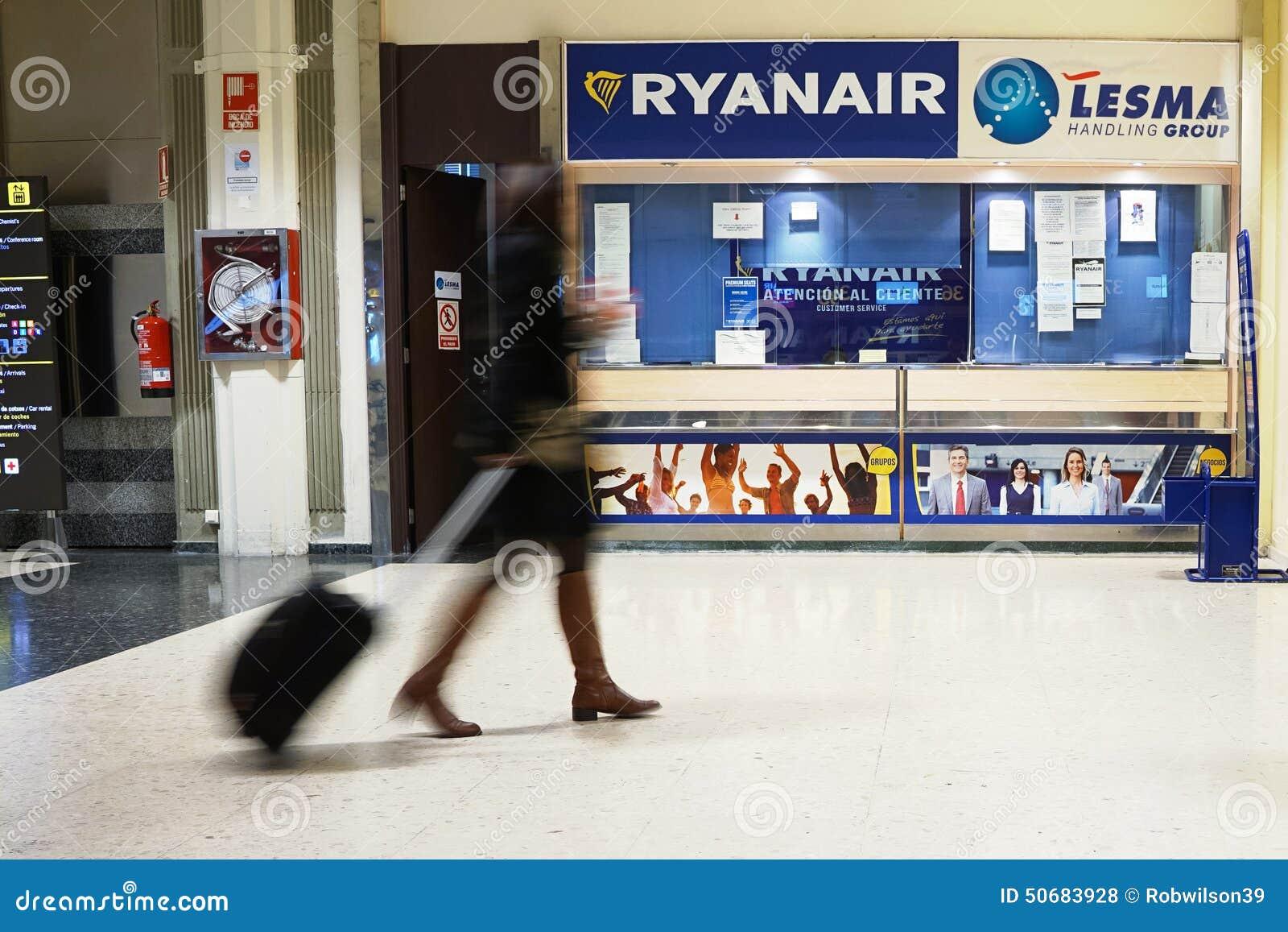 Download 瑞安航空公司 编辑类库存照片. 图片 包括有 backarrow, 公司, 前面, 飞行, 旅途, 陆运 - 50683928