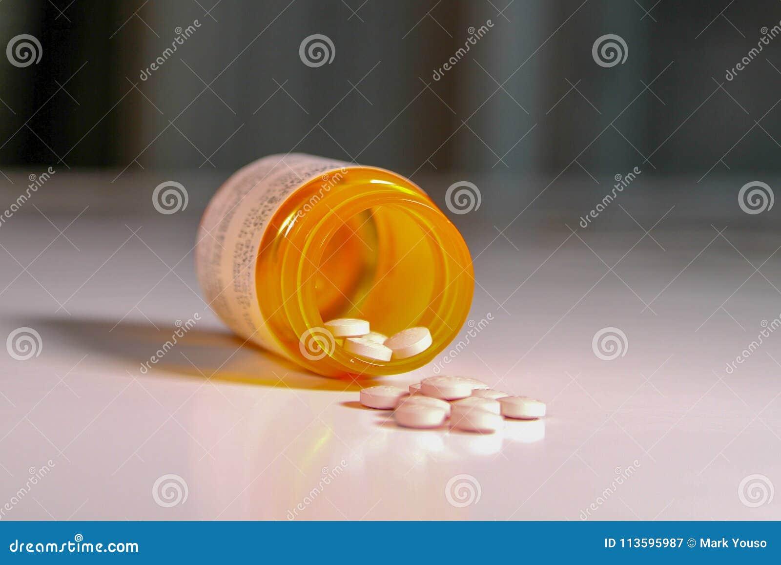 瓶与有些片剂的处方疗程说出有软的背景