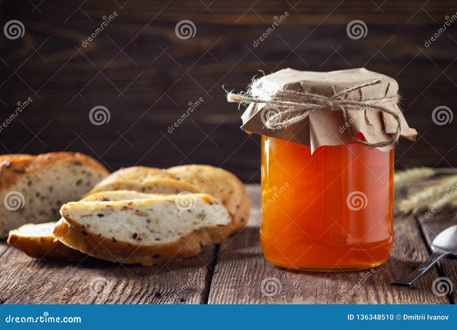 瓶子用杏子果酱