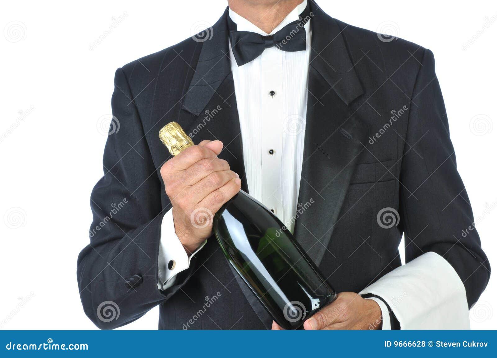 瓶香槟藏品斟酒服务员