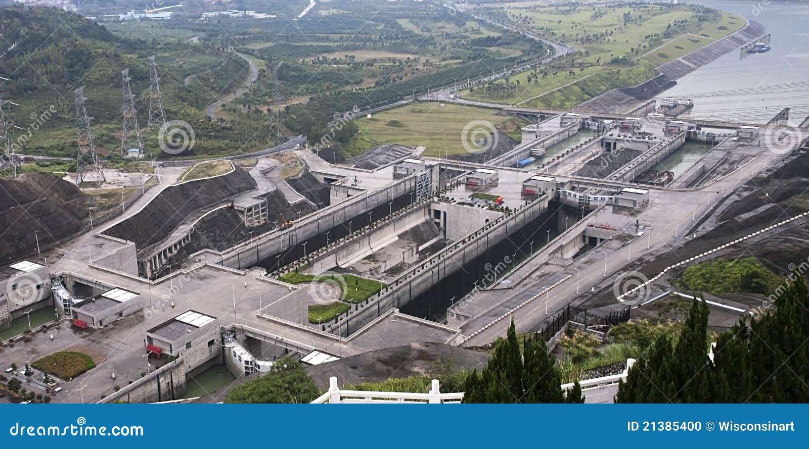 瓷水坝峡谷锁定船三旅行扬子