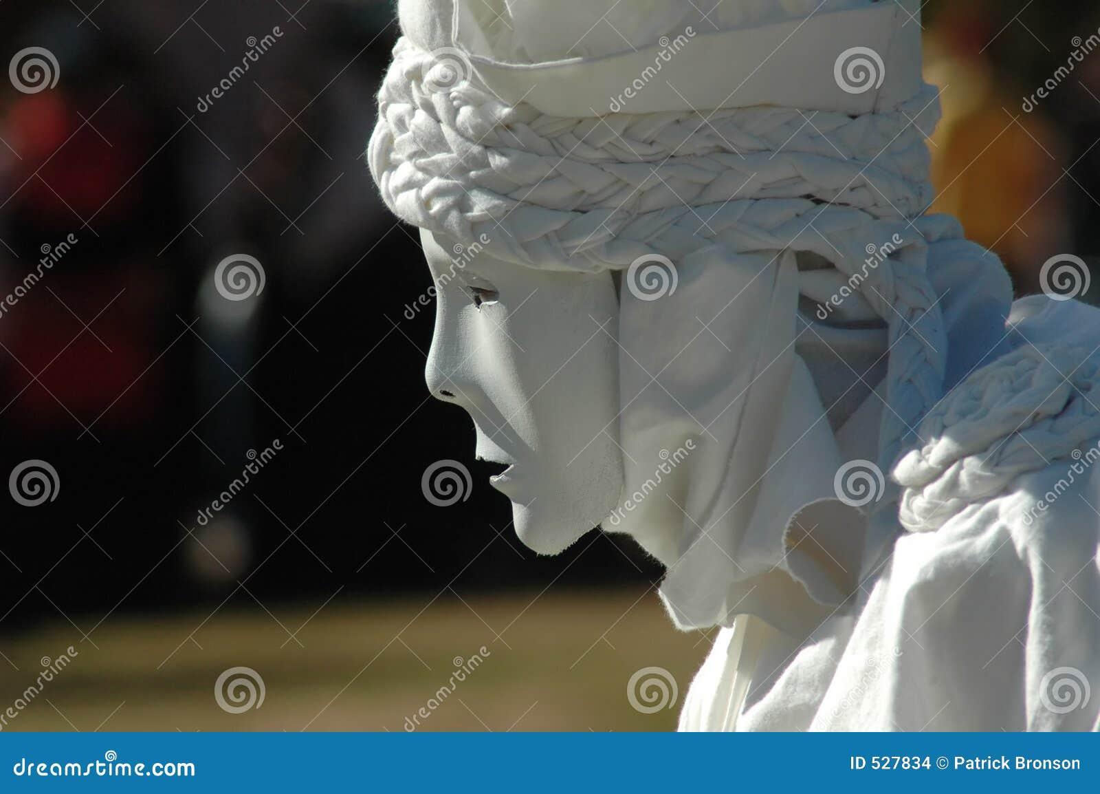 Download 生存雕象 库存照片. 图片 包括有 雕象, 笑剧, 仍然, 沈默, braincells, 居住, 表面, 空白 - 527834