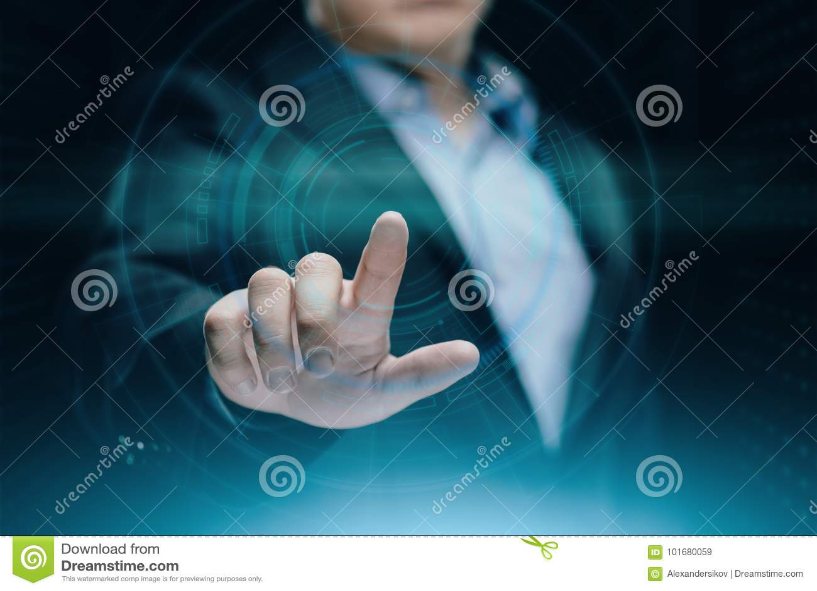生意人按钮按 创新技术互联网企业概念 文本的空间
